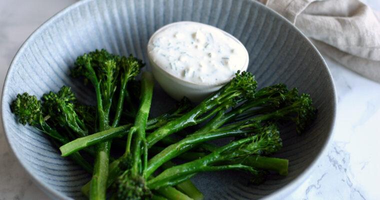 Aspargesbroccoli med fetacreme