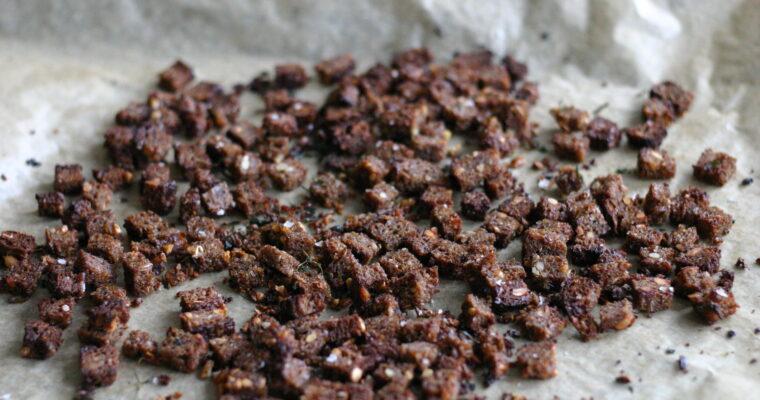 Rugbrødscroutoner