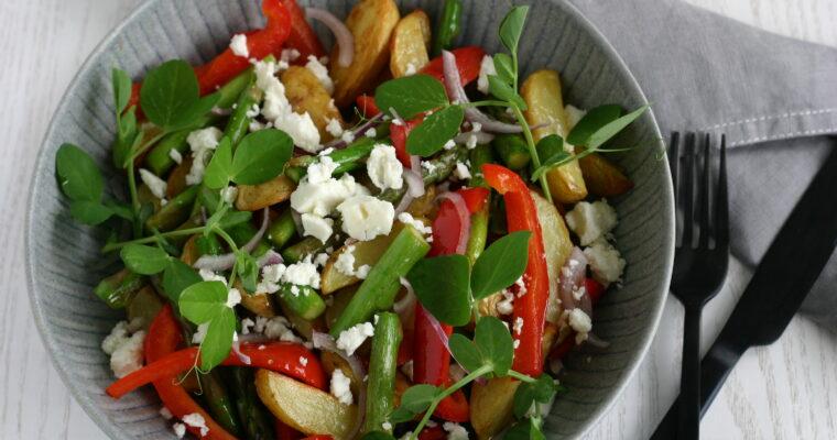 Kartoffelsalat med stegte grøntsager