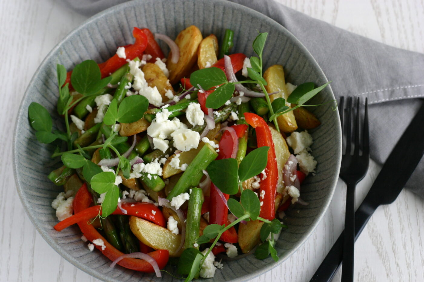 Lun kartoffelsalat med stegte grøntsager