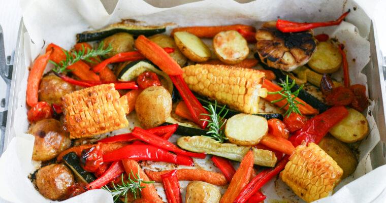 Bagte grøntsager med majs og hvidløg