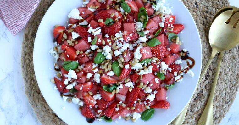Vandmelonsalat med jordbær og feta